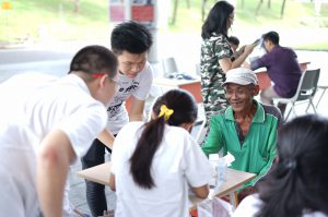 5 UKM Kerohanian UC Berkolaborasi Untuk Membuat Kegiatan Charity Cek Kesehatan bagi Staff Outsourcing UC