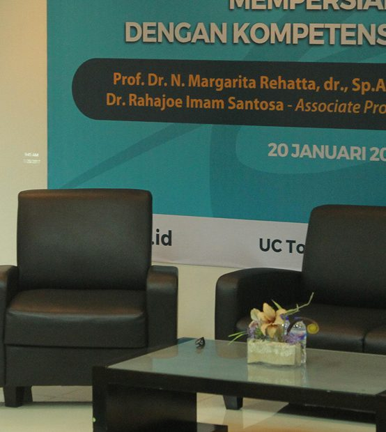 FK UC siapkan Lulusan Dokter Unggul bersama Pakar Pendidikan Kedokteran UNAIR